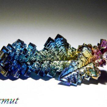 Bizmut növesztett kristályok