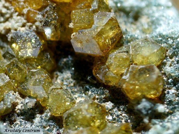 Grosszulár gránát kristályok - Olaszország