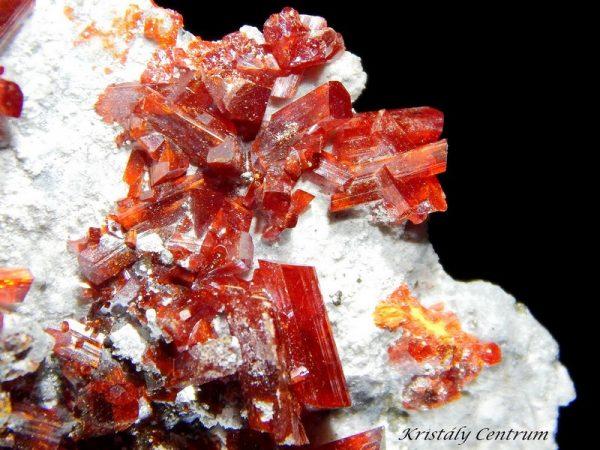 Realgár kristályok