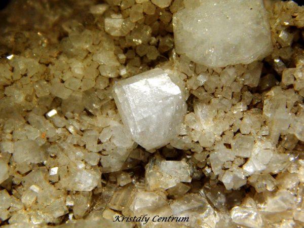 Harmotom Clashrorm new mine,, Strontian, Argyll, Skócia